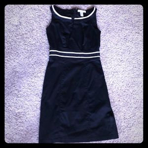 WHBM cotton work dress in black & white. Size 00.